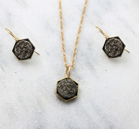 Small druzy in hexagon. Earring an necklace
