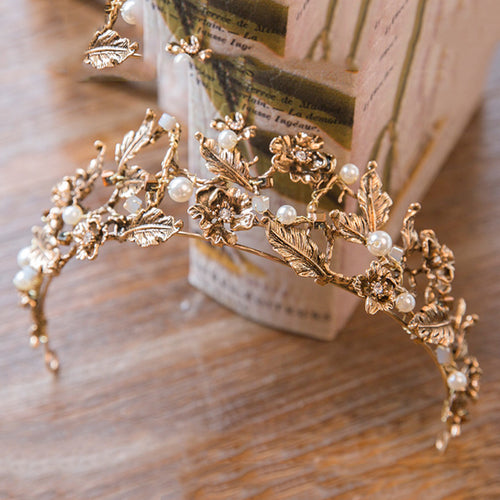 Women's Vintage Ancient Greek Crown Bridal Head-dress w/ Gold and Pearl Embellishment - Erbana 88