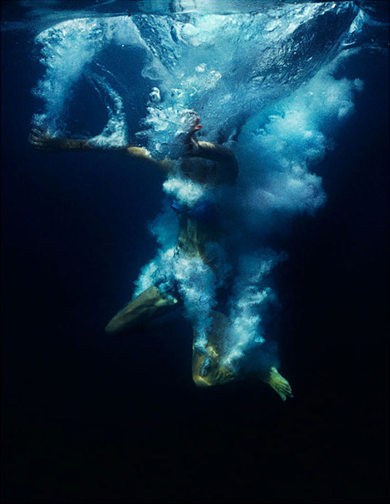 Siren VI, 2007, from The place in between, pigment print, 84 x 65 cm, ed. of 10.