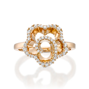 Unique flower engagement ring ny Oliva in18k whit gold