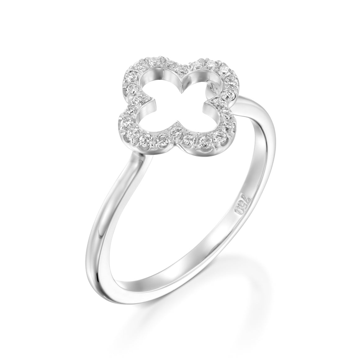 Diamond Clover ring in 18k white gold