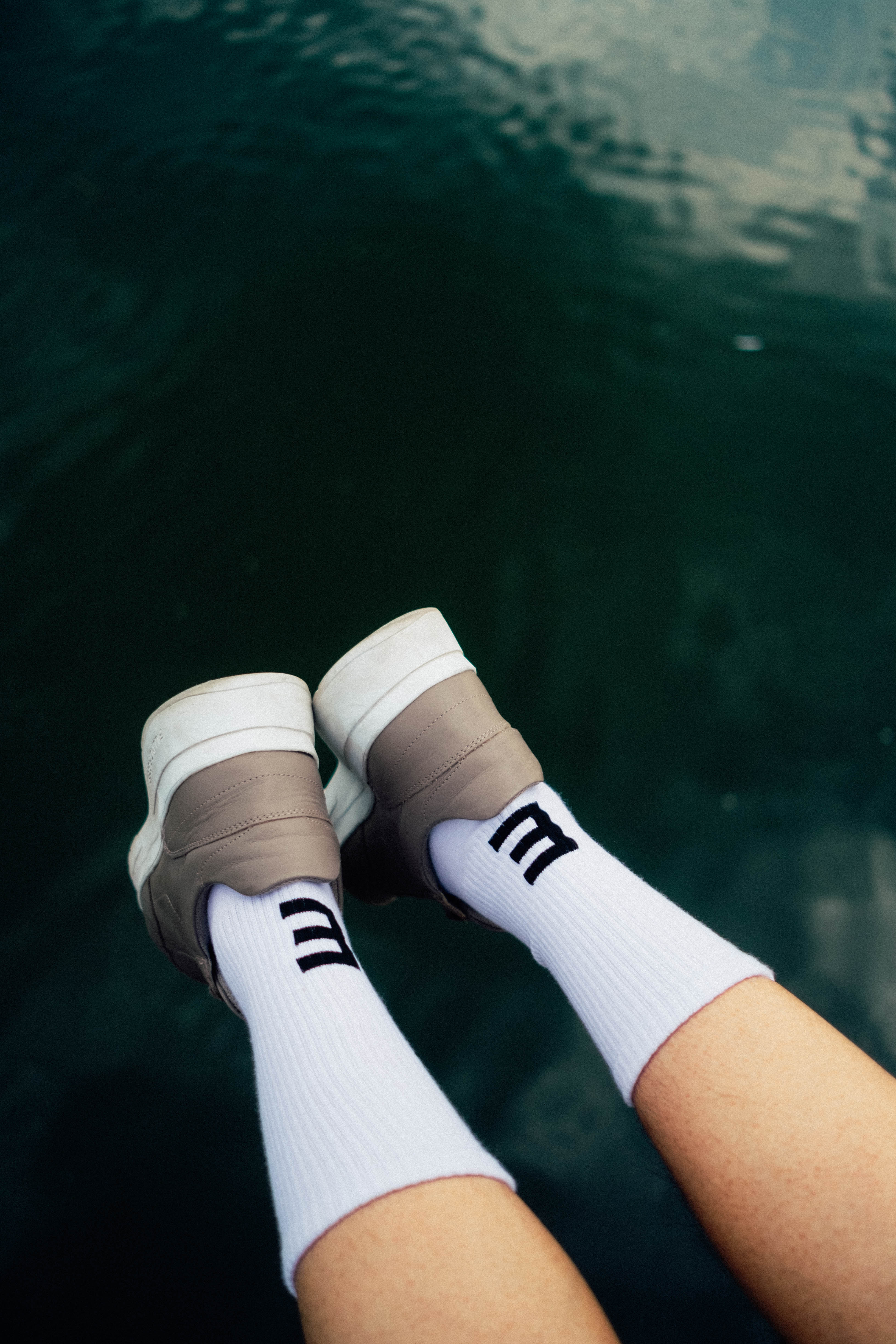 minusE cap(sule) collection socks