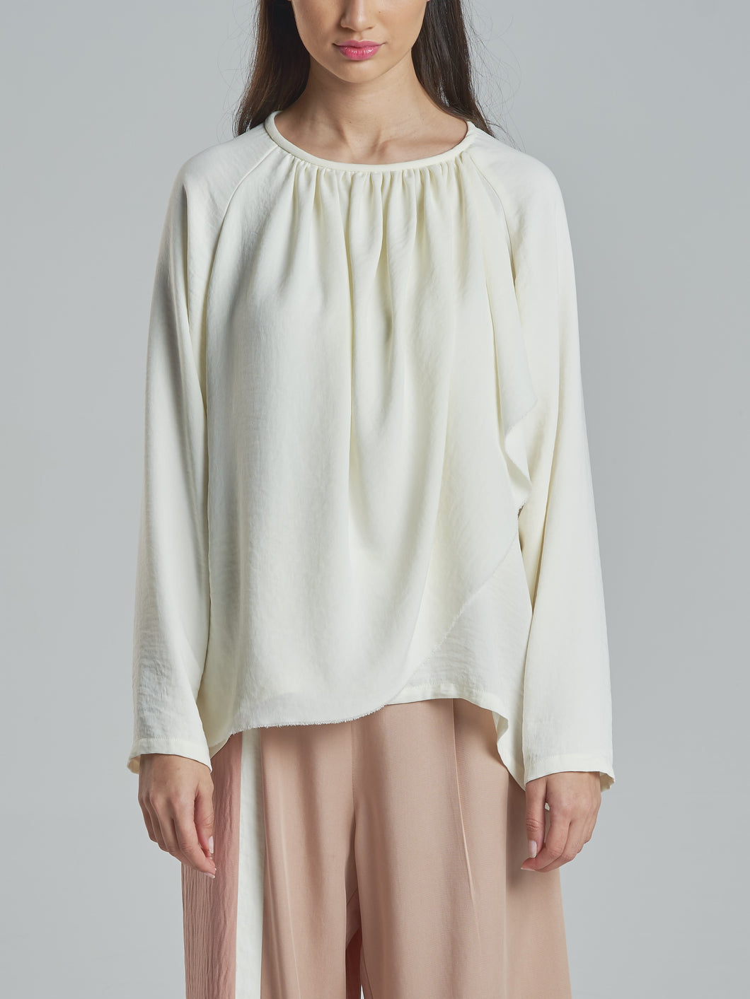 Elegant Off-White Top with Gathering