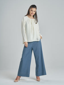 Denim Trousers with Coral Stitches