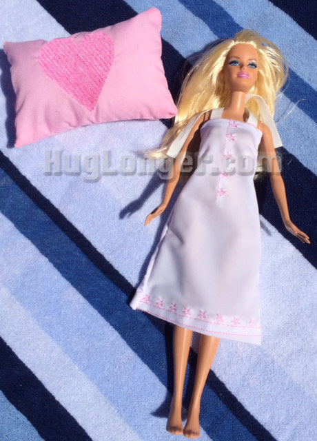 In the Hoop Fashion Doll Sleepover Set: Sleeping bag, pillow and nighty digital design files for embroidery machines