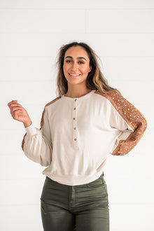 Feeling Fresh Contrast Henley Top (Ready to Ship) (4764138733657)