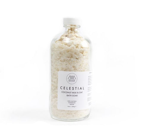 Perfect to de-stress and unwind after a long day. The dreamy scent of lavender and bergamot essential oils calm your mind. Natural Dead Sea salts heal and provide a full range of minerals for your body. Organic oats and coconut milk powder leave your skin feeling soft and rejuvenated.