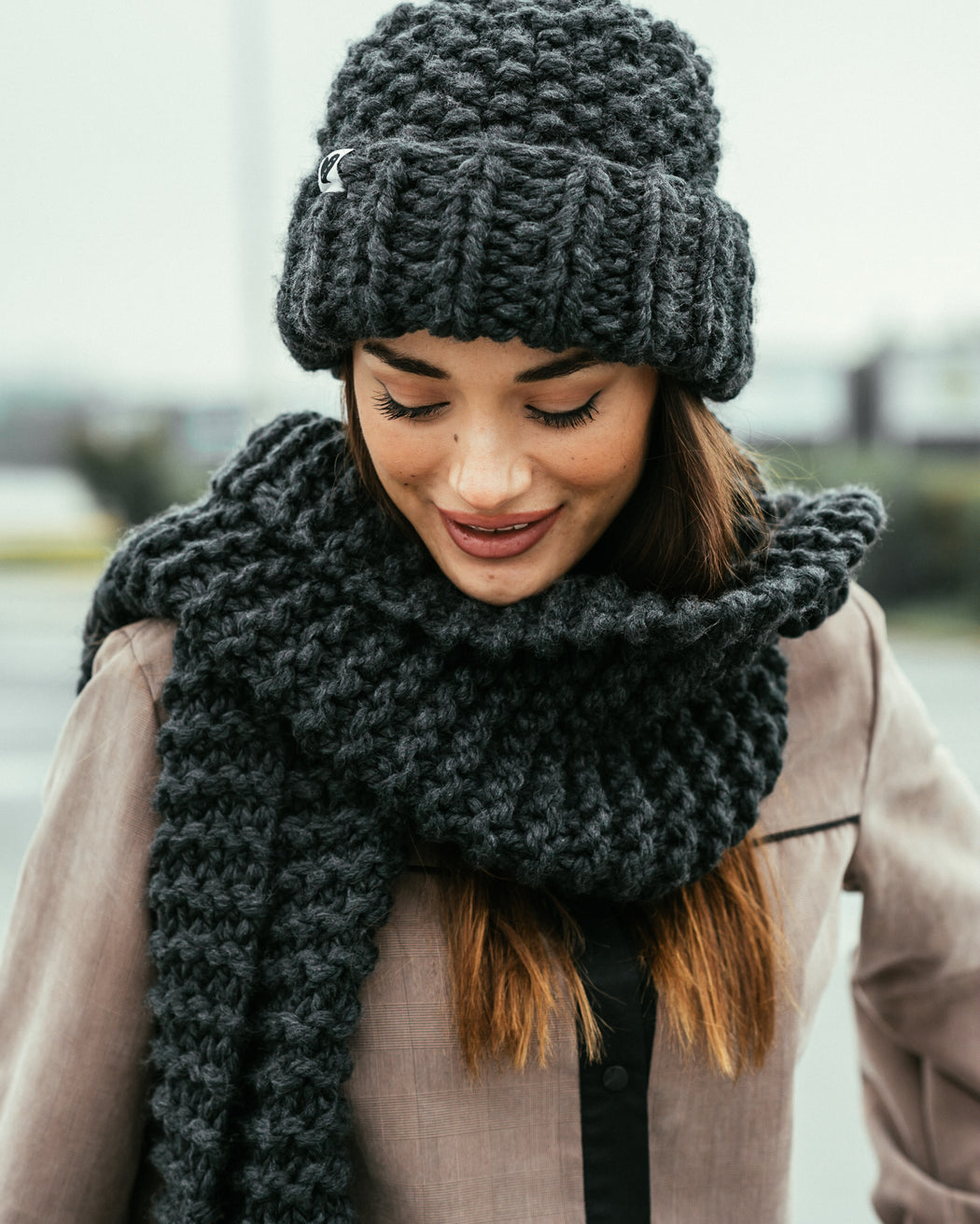 Straight Ribbed Scarf | Dark Grey