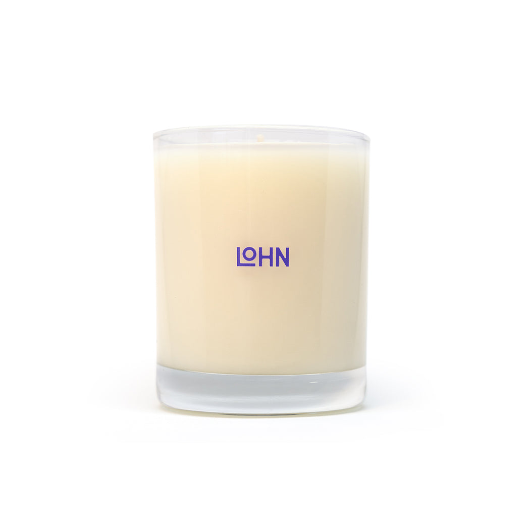 frangrant candle filled with Light jasmine and chamomile florals entwined by powdery clove, pink pepper and cumin