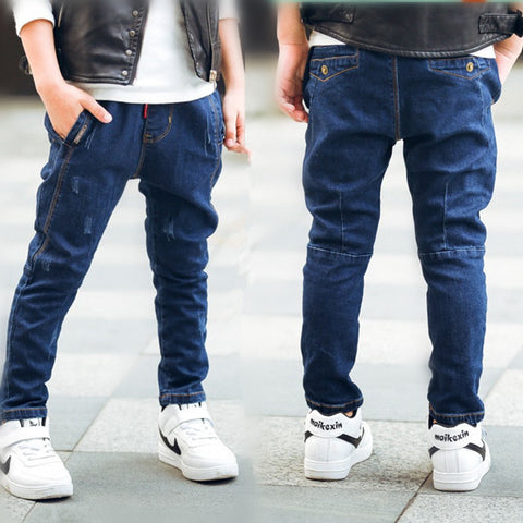 Fashionable style and high quality kids jeans.