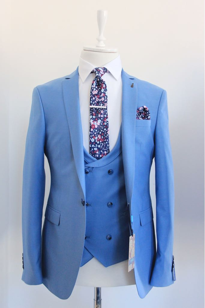 Carter Sky blue 3 piece Suit by Travis
