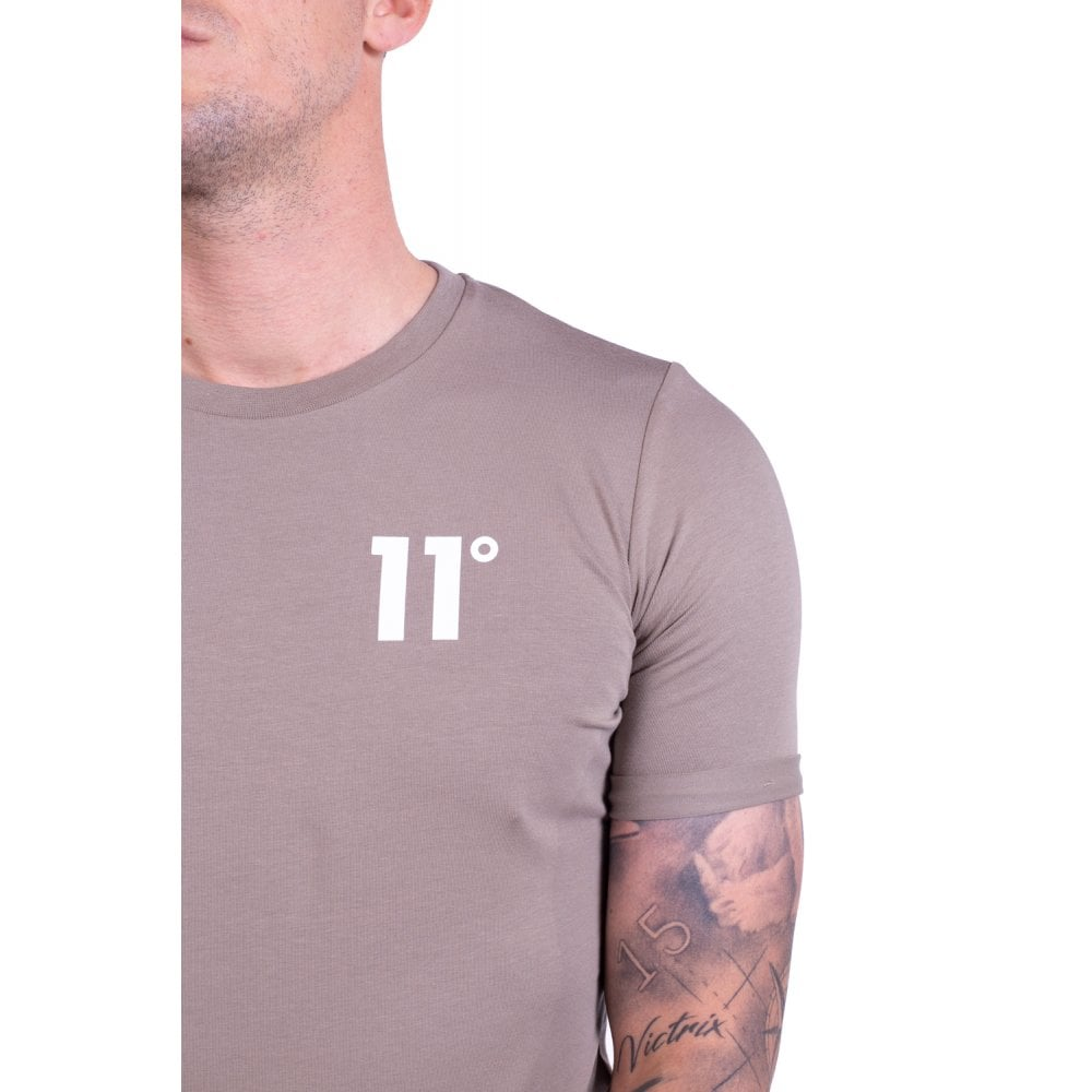11 Degrees Rustic Muscle Fit Tee. 11D-3038