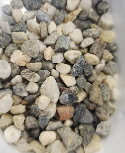 Tundra pebble top dressing
