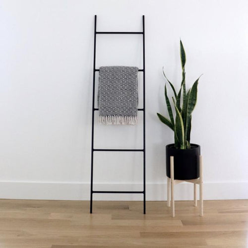 metal blanket ladder