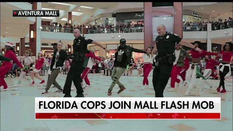 Florida Officers Join Mall Flash Mob
