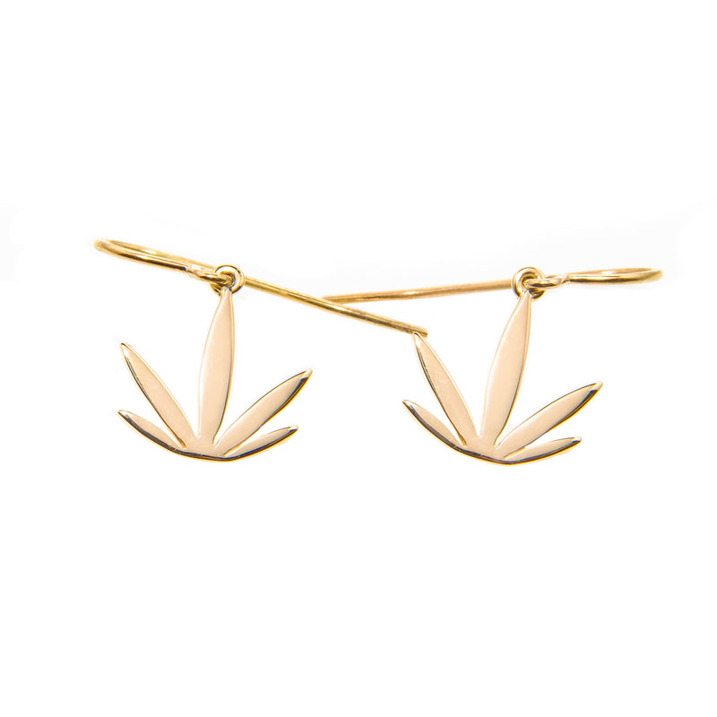 14kt Yellow Gold Modern Leaf Earrings