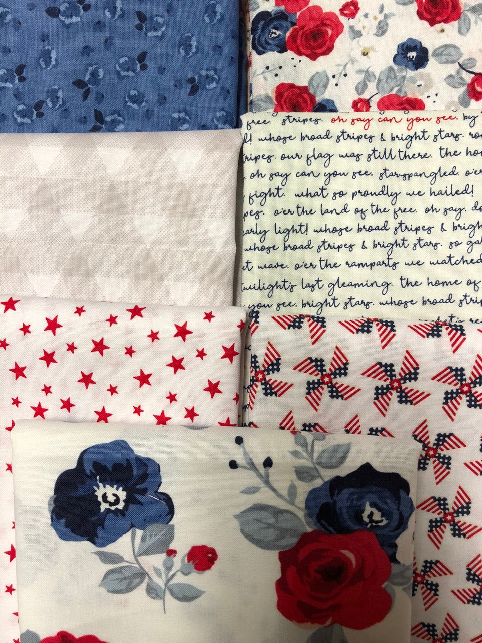 LAND OF LIBERTY White 7 fat quarters