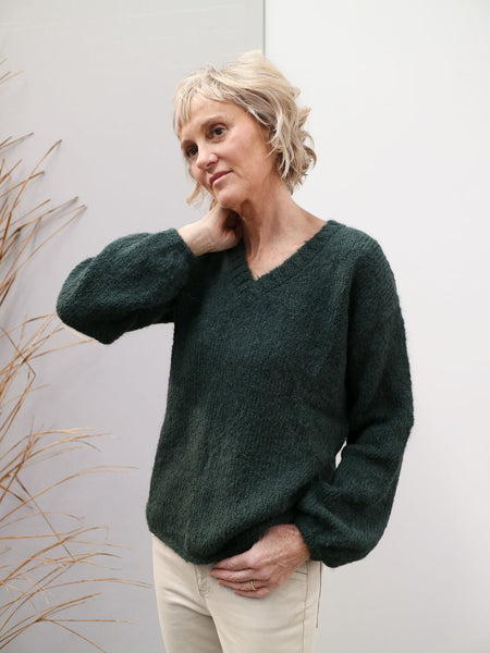 Marlee V-neck Suri Jumper - Green