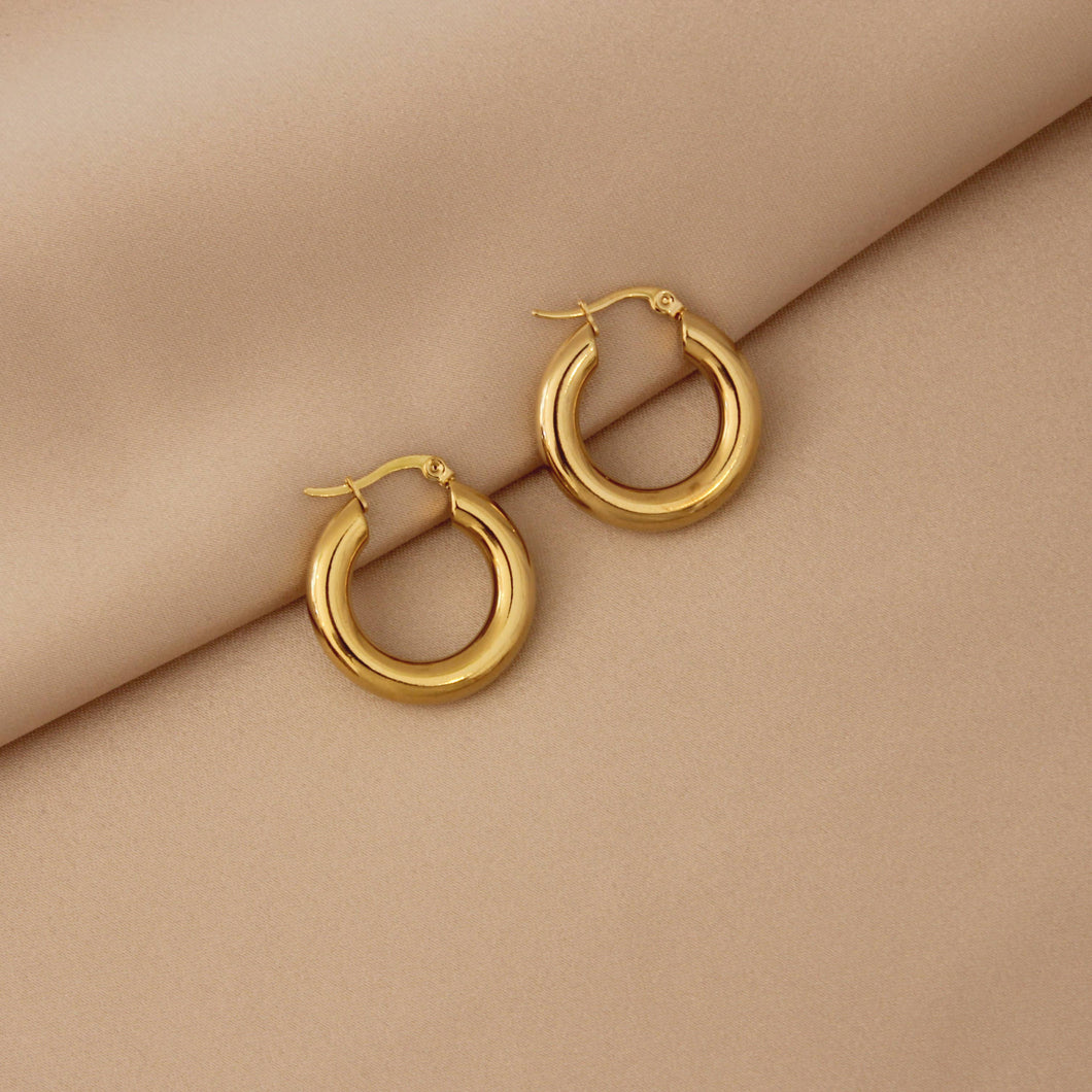 PERFECT 14K GOLD PLATED HOOPS // MEDIUM