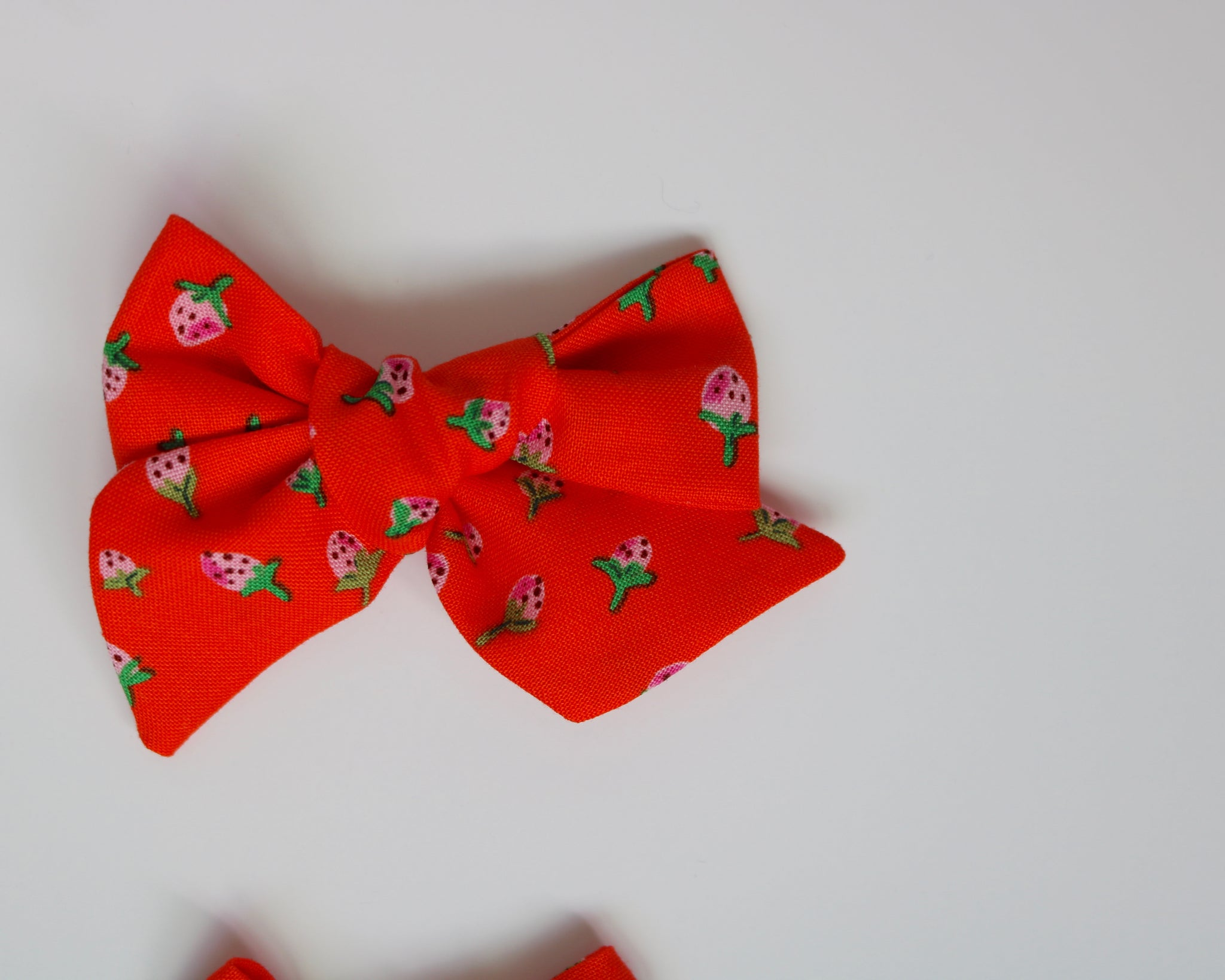 Red Strawberry Fields Lola Bow