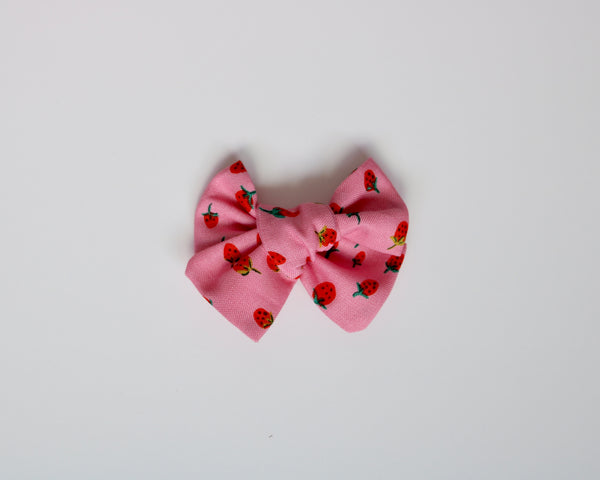 Pink Strawberry Fields Chunky Bow