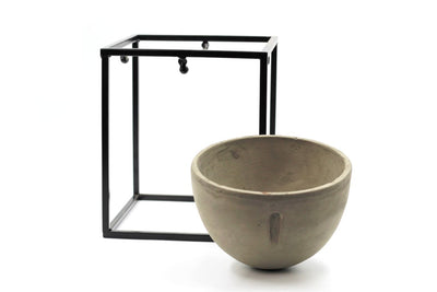 Small Pot With Stand