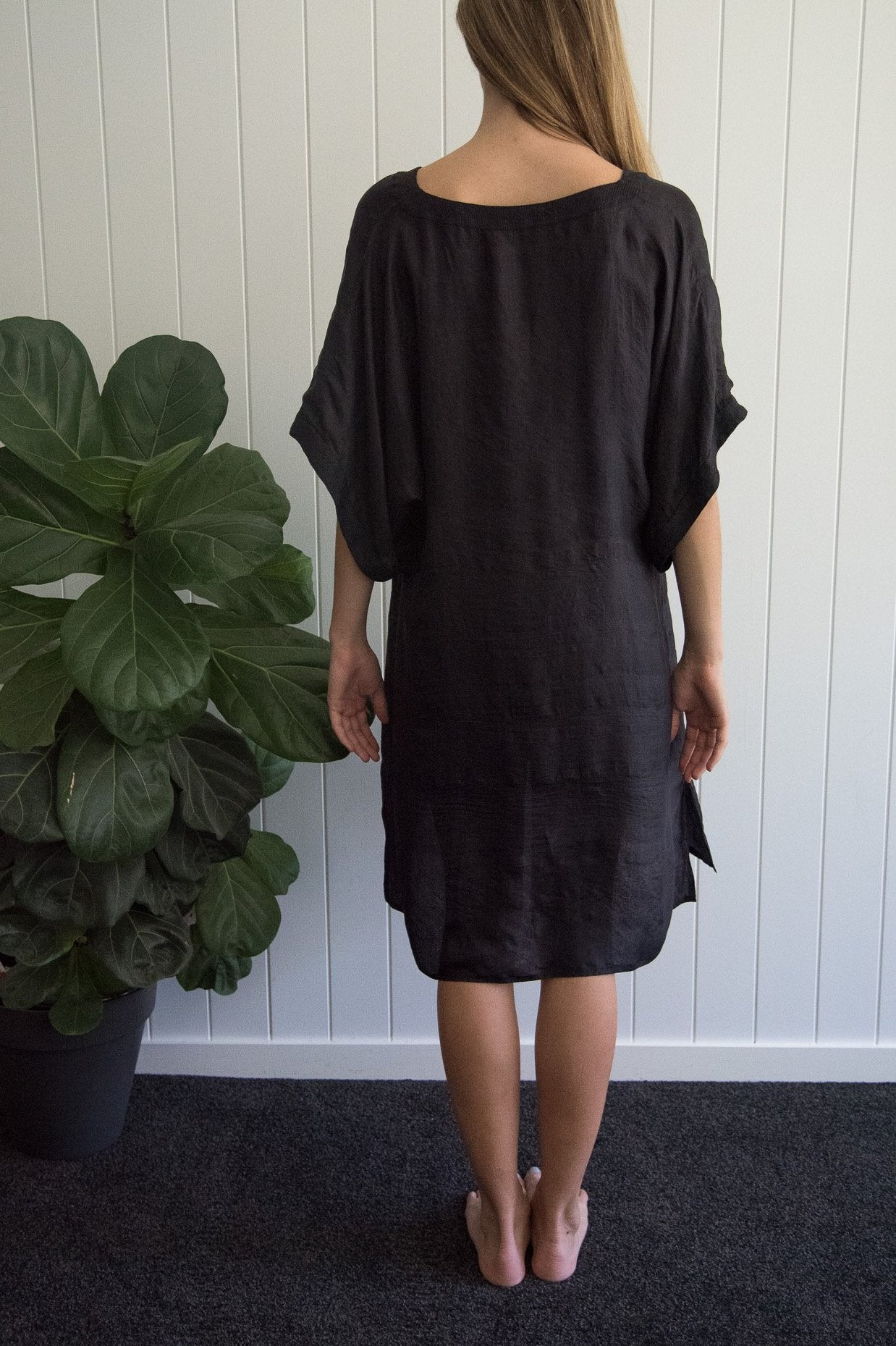 Short Black Silk Kaftan