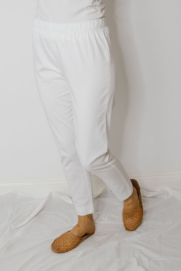 White 97% Cotton 3% Spandex Sateen Pull on Pant