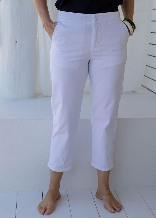 White 97% Cotton 3% Spandex Relaxed Chino Pant