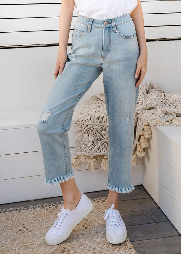 Pale Blue 98% Cotton 2% Spandex Cropped Jean