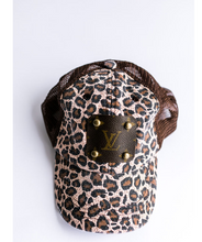 Load image into Gallery viewer, Brown Leopard Hat (647244021808)