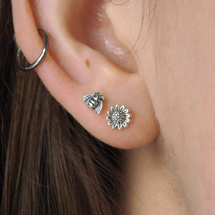 Earrings / Delicate Sunflowers - Studs