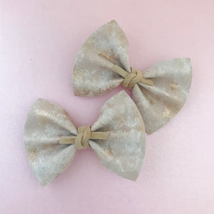 RAELYNN BOW // metallic brushed rose gold