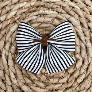 SADIE BOWS // stripes