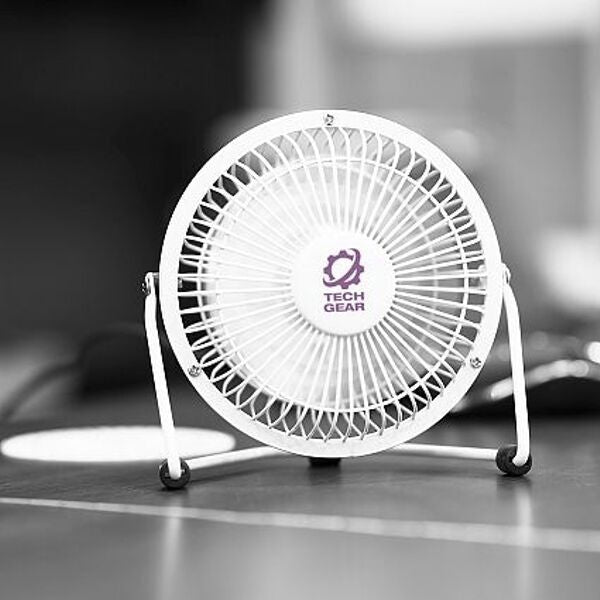desk-fan-keep-cool-office