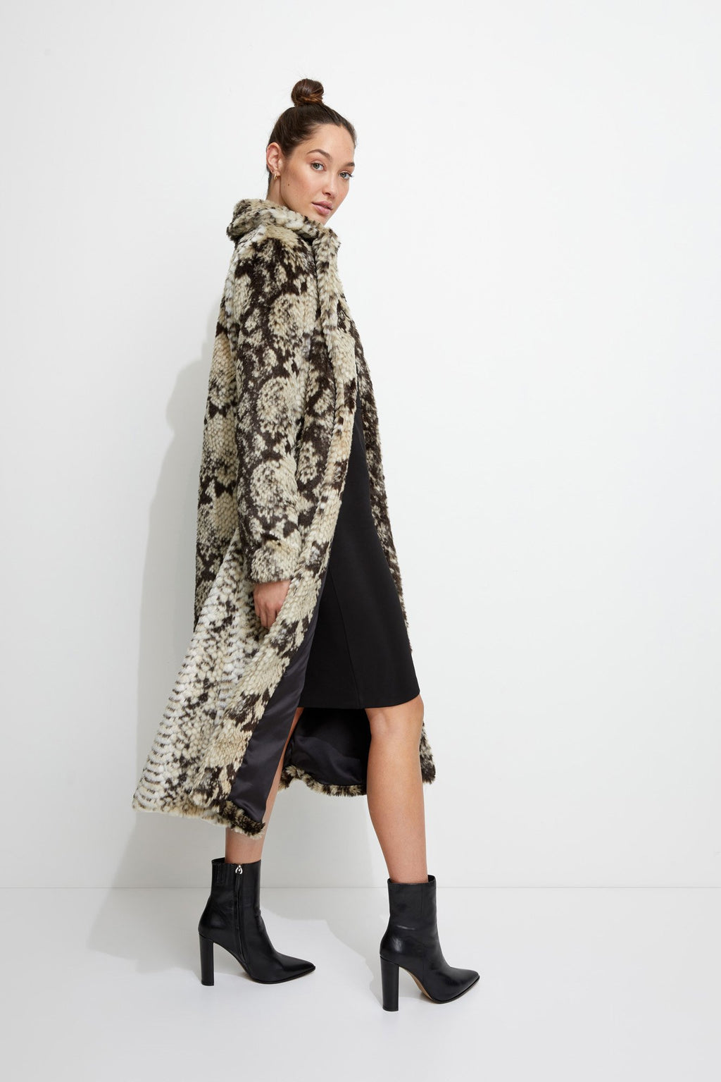 Madam Grace Coat