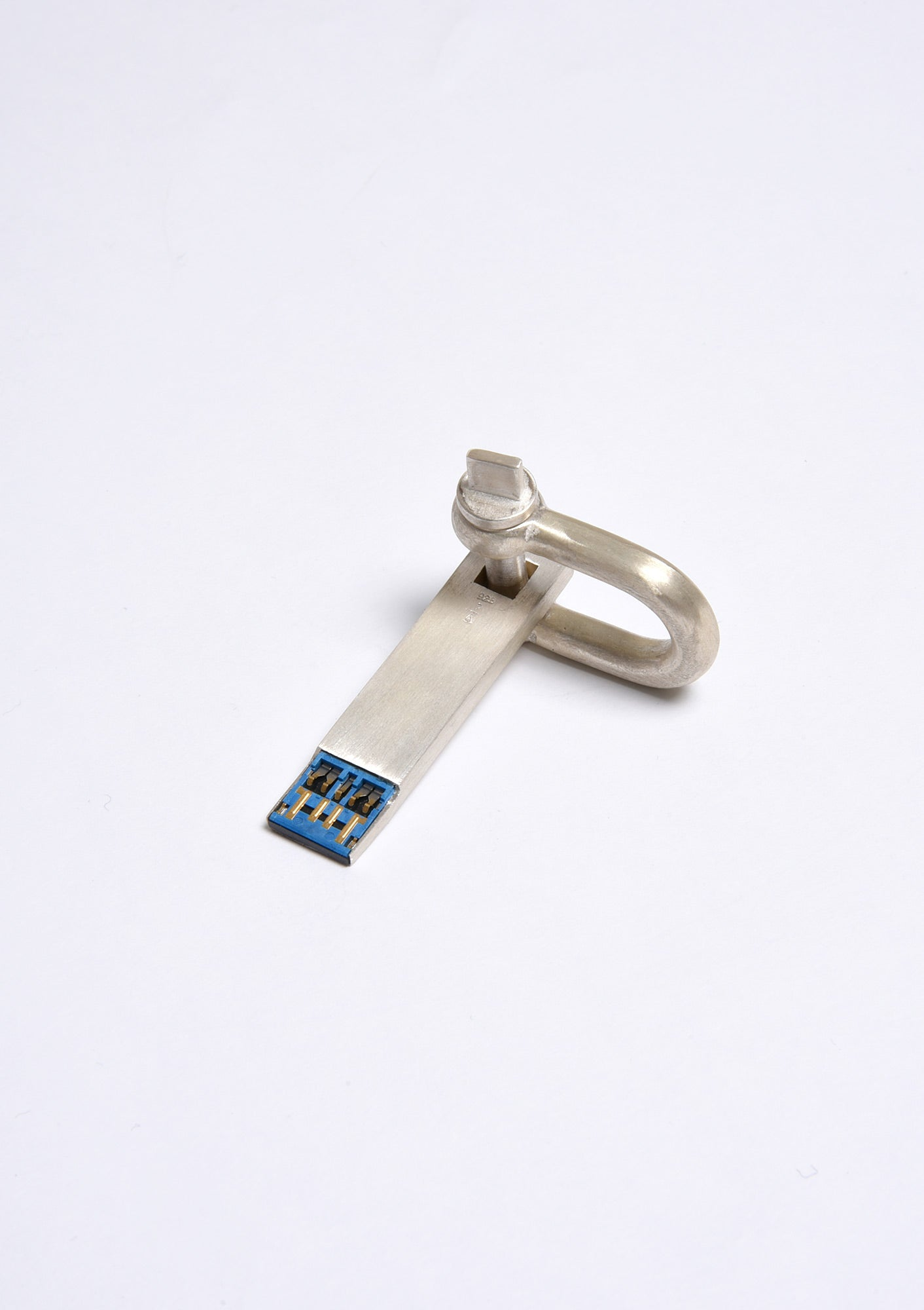 Parts of Four USB Charm on U-Bolt (MA)