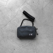 F/CE No Seam Travel Sacoche Black