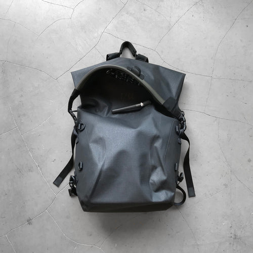 F/CE No Seam Zip Lock Bag Black