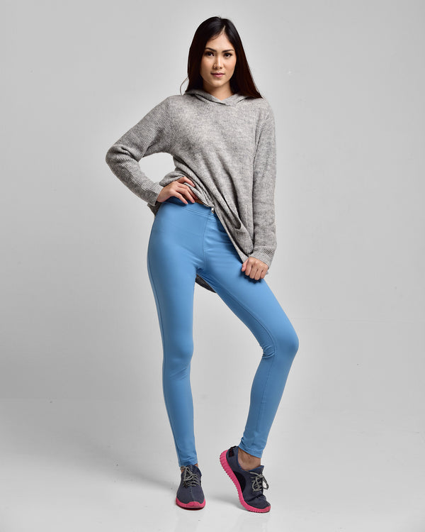 The Essential Legging Blue