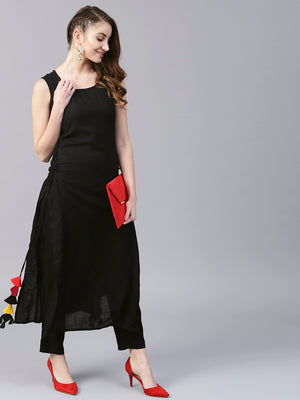 Black Solid Sleeveless Long Kurta With Side Tassel (Fully Stitched) | Znx4ever.com