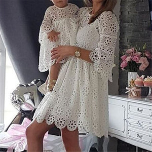 Fashion Family Matching Clothes Mother Daughter Dresses Women Floral Lace Dress Baby Girl Mini Dress