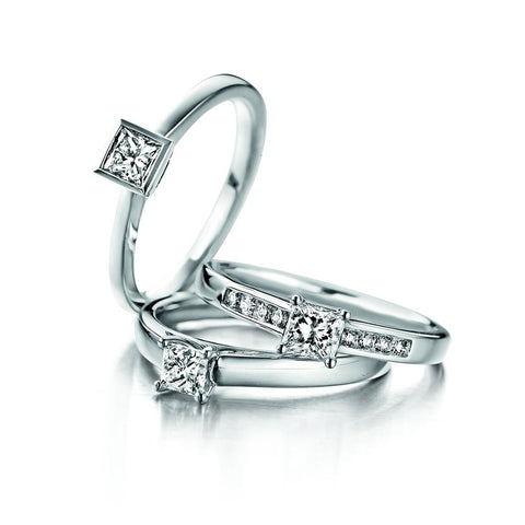 BAGUE OR BLANC SOLITAIRE DIAMANT ACCOMPAGNÉ ASTORG 1895