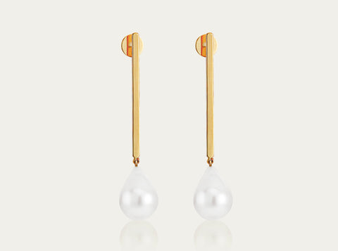 Full Moon Gold Earrings with Akoya Pearl (pair)