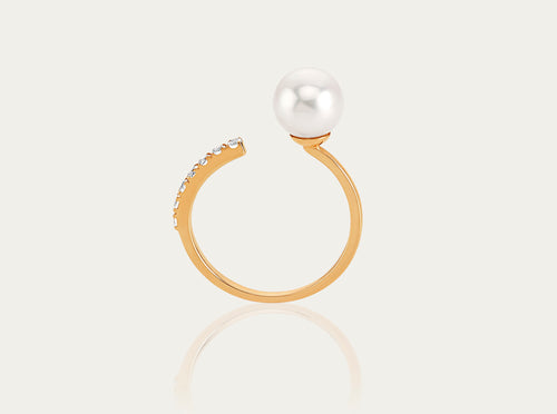 Akoya Pearl with White Topaz pave ring 10K yellow gold