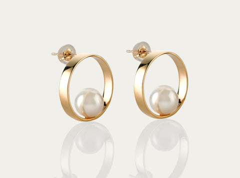 Allegro Diamond Pearl Earcuff 18K Yellow Gold