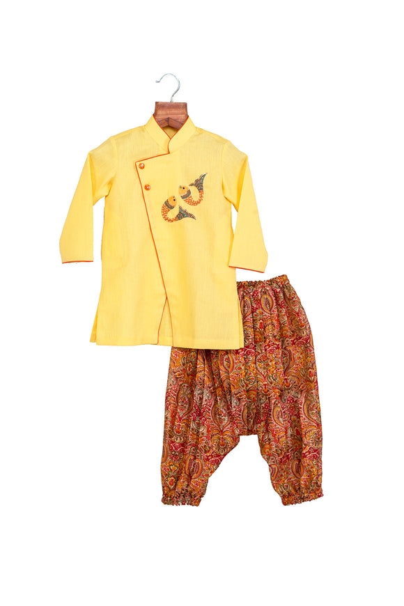 Fish Motif Kurta with Cowl Pants
