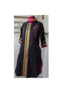 Black raw silk/pink emboidery kurta
