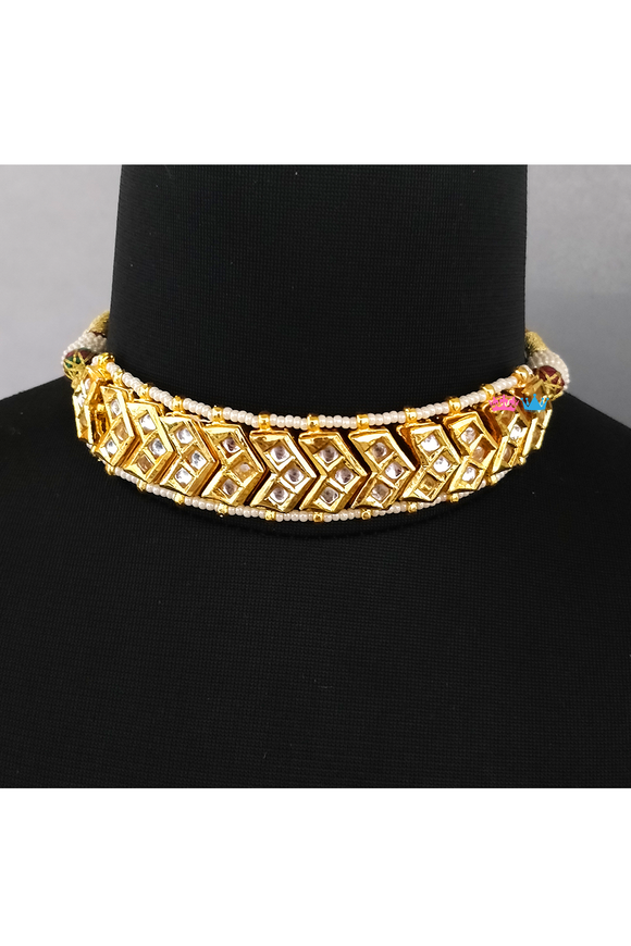 22k gold plated kundan v-shaped chokar