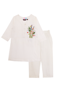 Off-white pocket full of posies kurta and pants